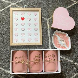 🛍2/$40 💕 Pink Home Decor Bundle 💕